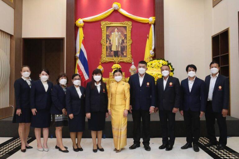 """ม.กรุงเทพธนบุรี จัดพิธีน้อมรำลึกเนื่องในวันคล้ายวันสวรรคต """"ในหลวงรัชกาลที่ 9"""" พร้อมจัด BTU Clean&Clear ถวายเป็นพระราชกุศลฯ"""